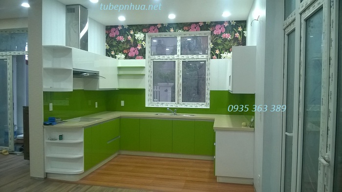 Tủ bếp nhựa cao cấp chữ U nhà chị Nga - Vân trì Đông Anh